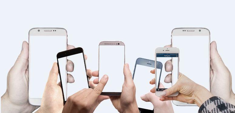 smartphones signal pour illustrer amplificateur de signal mobile ou booster GSM / 4G