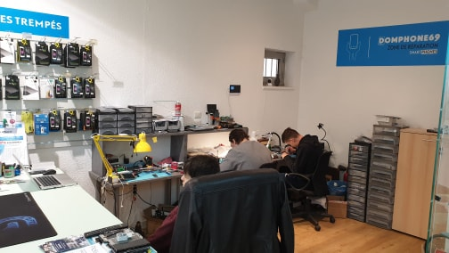 réparation de téléphones à Lyon chez Domphone69